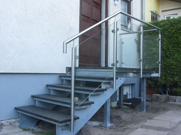 edelstahl naturstein design berlin sch nefeld freitragend freitragende stahlaussentreppen. Black Bedroom Furniture Sets. Home Design Ideas