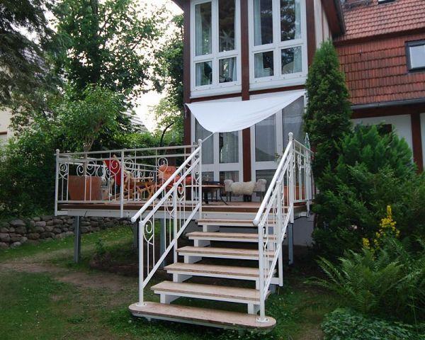 Balkon Hängeklapptisch Holz ~ Balkon Balkongeländer 30 Pictures to pin on Pinterest