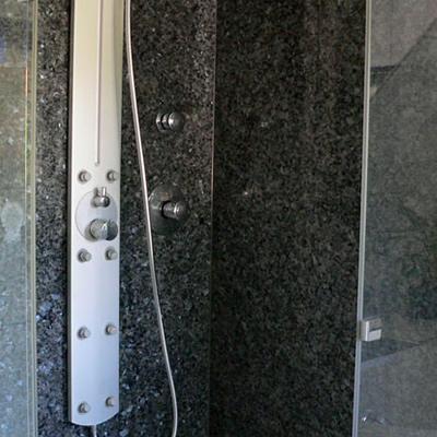 Granit Dusche edelstahl naturstein design berlin schönefeld bäder exclusive